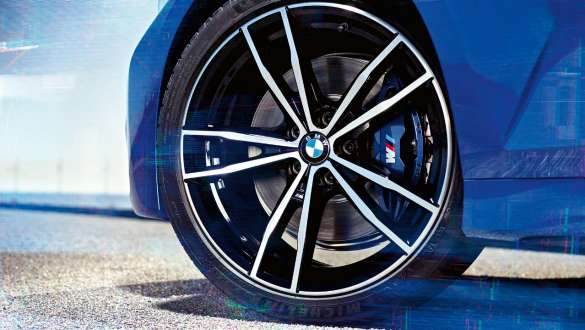 Detailed view of the wheel oft he BMW 3 Series Sedan with M Sport brake.