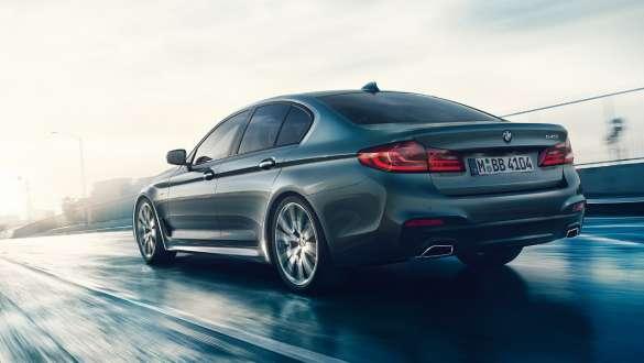 Intelligent lightweight construction BMW 5 Series Sedan540i Sedan G30 Bluestone metallic three-quarter front view